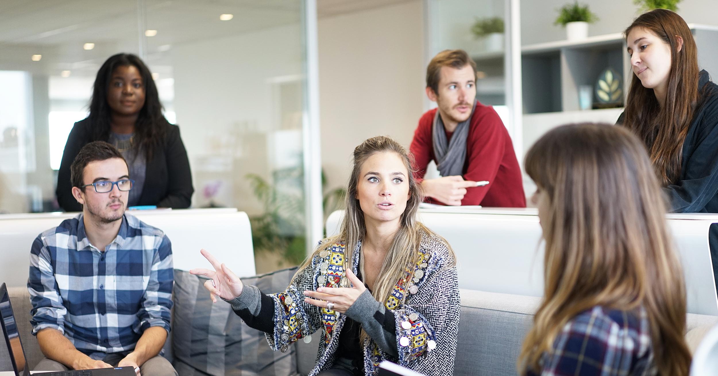 Le Migliori Espressioni Per Comunicare Efficacemente Con i Colleghi In Inglese